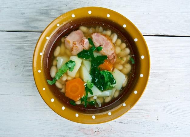 Кубинский caldo gallego галисийский суп из белой фасоли