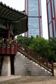 Культурная корейская городская сцена