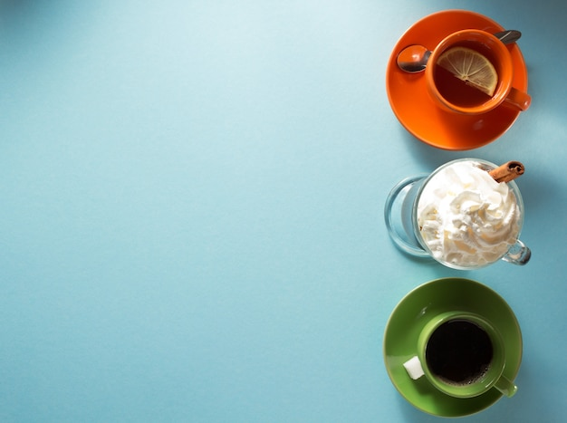 Чашка кофе, чая и какао на бумаге