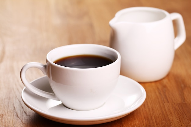 뜨거운 커피 한잔