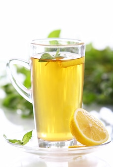 핫 민트 차 한잔