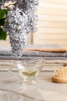 Чашка с маслом для волос
