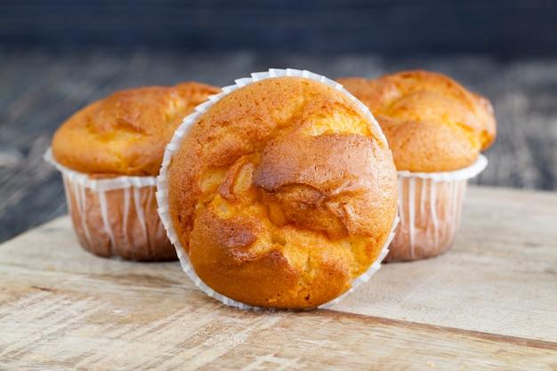 컵케익, 그 자리는 양질의 재료로 만든 신선한 맛의 머핀입니다.