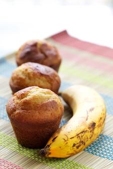 Cupcakes and banana