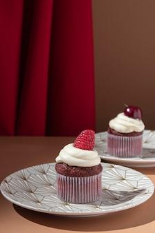 ラズベリーとチェリーのカップケーキ