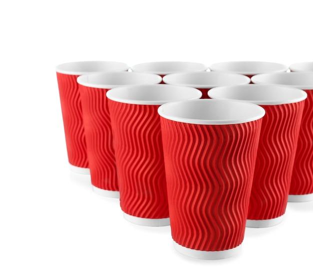 Чашки для пивного понга на белом