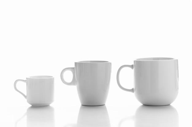 다양한 크기의 컵