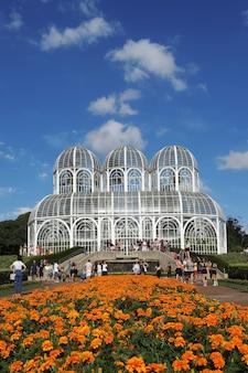 Curitiba, paranãƒâ¡, brazil - 2021년 2월 24일: curitiba, paranãƒâ¡, brazil의 공원 관심 지점.