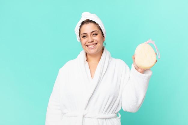 バスローブを着てシャワーを浴びた後の曲線美のきれいな女性