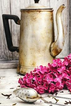 Custard tea and lilac