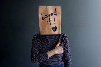 顧客経験または人間の感情的概念幸せな気持ち