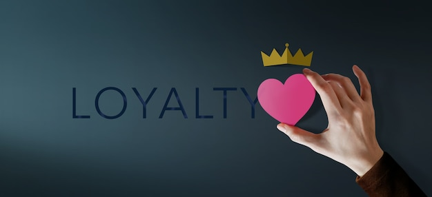 Customer loyalty concept. client experiences. happy customer giving excellent services rating for satisfaction present by heart and crown