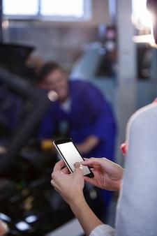 モバイル上の顧客のテキストメッセージング