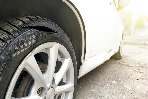 Cut the car wheel