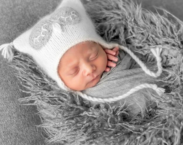 甘い眠っているかわいい赤ちゃん