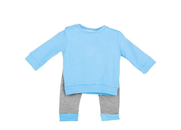 흰색 배경 위에 전면에 귀여운 파란색 아기 onesie 점프 슈트