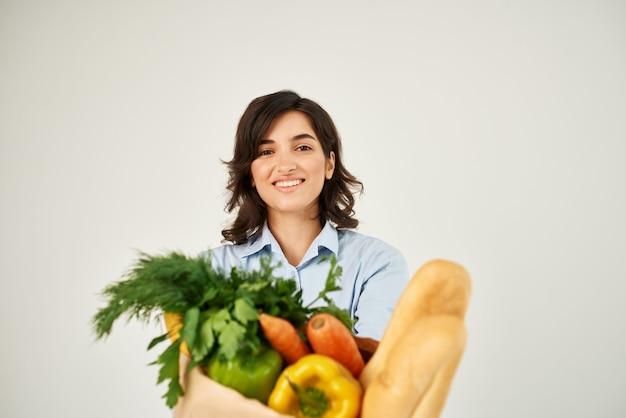 음식 패키지 건강 식품 밝은 배경으로 귀여운 갈색 머리