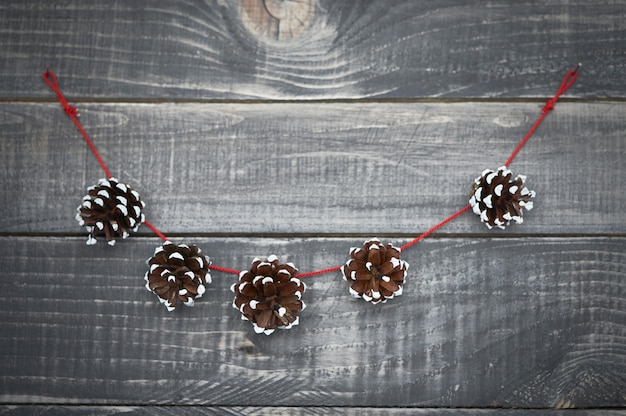Simpatica decorazione natalizia sul vecchio legno