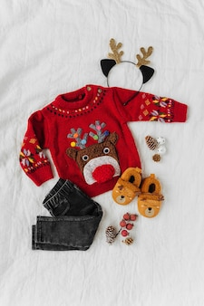 Милый рождественский свитер с оленями для малышки. рождественская вечеринка