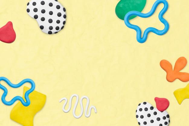 Simpatica cornice con motivi in argilla con texture arte creativa fai da te per bambini