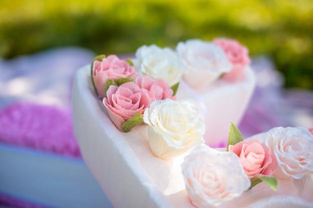 Симпатичное украшение ручной работы на день рождения большая бумага номер пять с цветами в парке