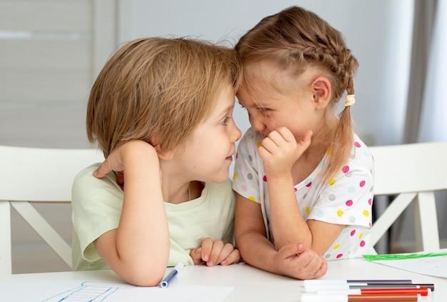 Bambini carini disegno