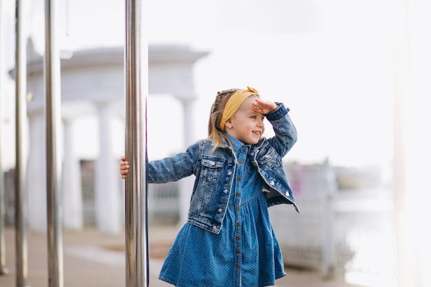 公園のかわいい女の子