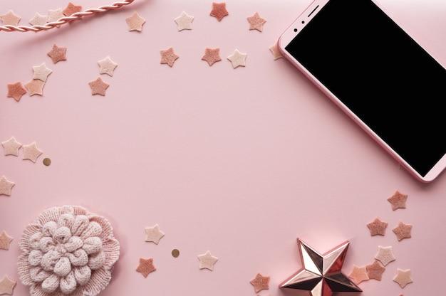 かわいいピンクの背景の電話モックアップ