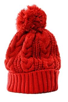 Красная зимняя шапка вязаная