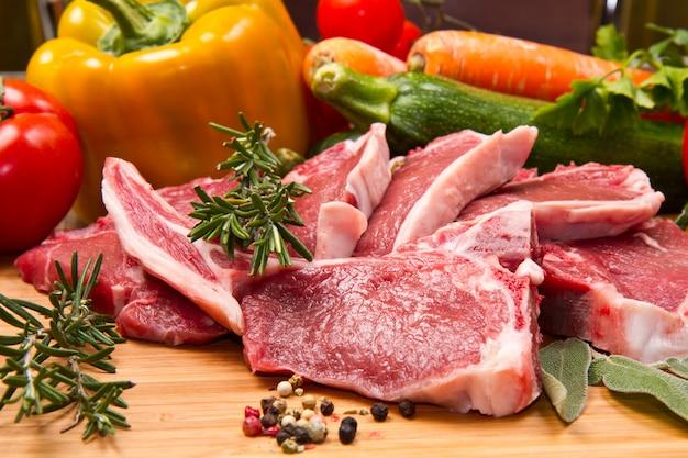 야채와 양고기 돈까스
