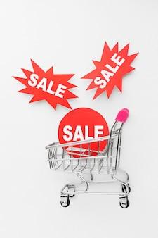 Vassoio di vendita e shopping di cyber lunedì
