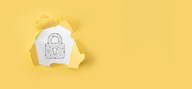 サイバーセキュリティネットワーク。南京錠のアイコンとインターネット技術のネットワーキング。データ保護プライバシーの概念。 gdpr。 eu。白い背景に疑問符が付いた破れた黄色の紙。
