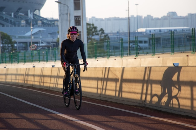 Cycling in the first rays of the sun
