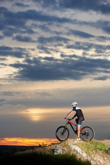 Cyclist on mountain bike