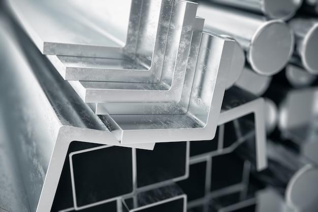 Цилиндрические металлические стальные профили, шестигранные металлические стальные профили, квадратные металлические стальные профили. различные изделия из нержавеющей стали, 3d иллюстрации