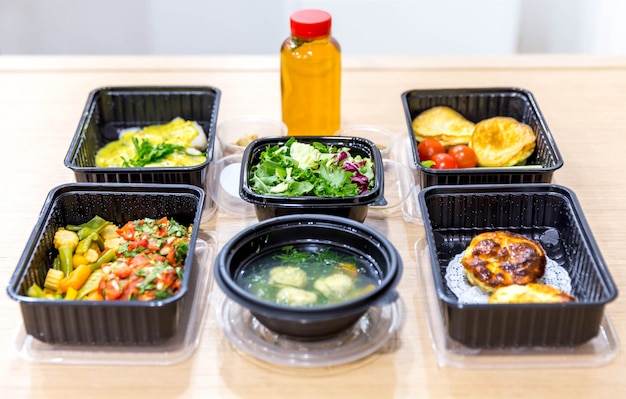 Daily meals in  boxes, healthy food delivery