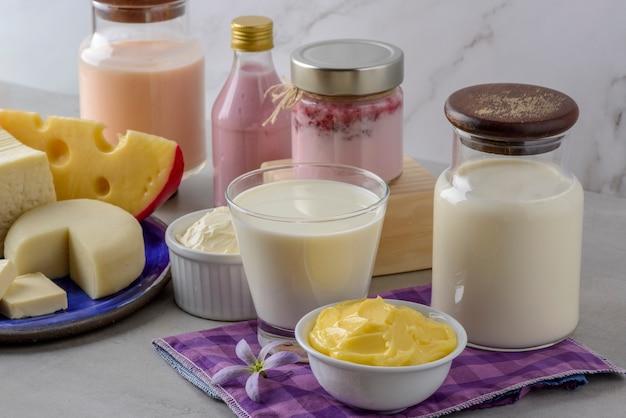 乳製品。ミルクとその派生物。