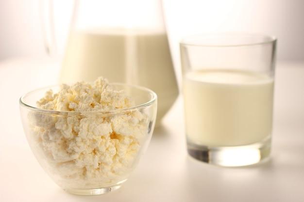白の乳製品