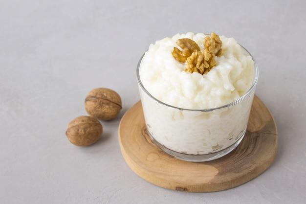 Dairy rice porridge walnut
