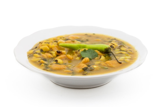 Dal dhokali  - カナリア豆、moong dal、小麦粉で作られたインド料理