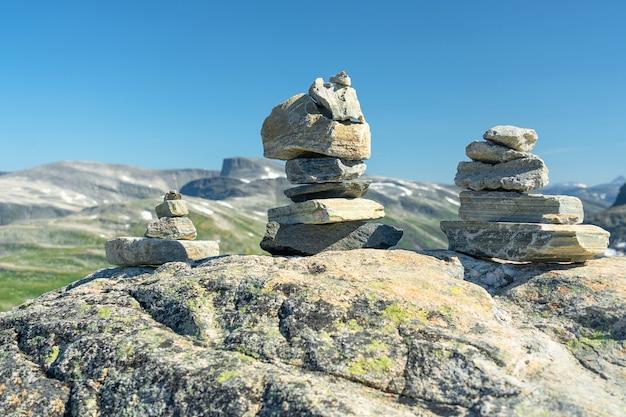 ダレスニッバ山、石の岩の風景