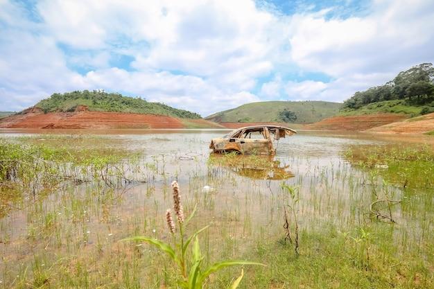 Засуха на плотине из-за отсутствия осадков в бразилии