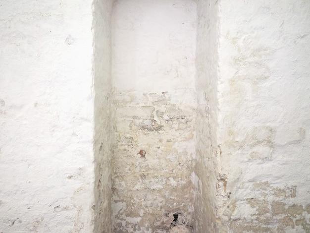 벽에 습기찬 습기