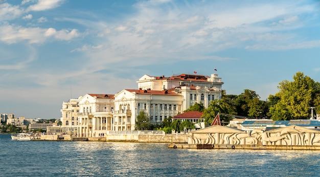 Театр танца на берегу севастополя в крыму
