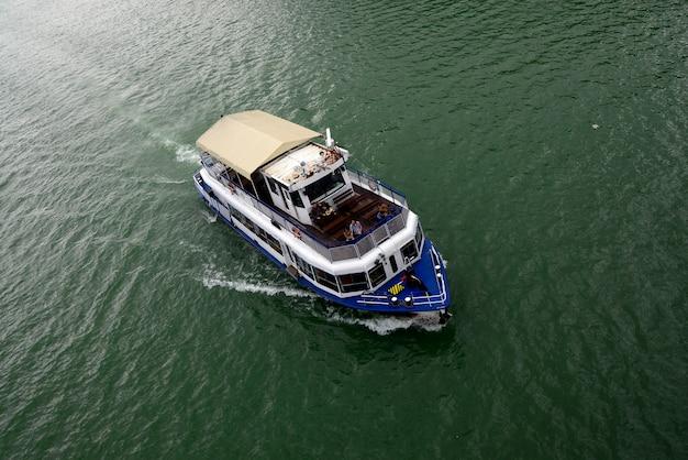 Моторная лодка danube