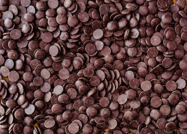 Темный шоколадный кувертюр.