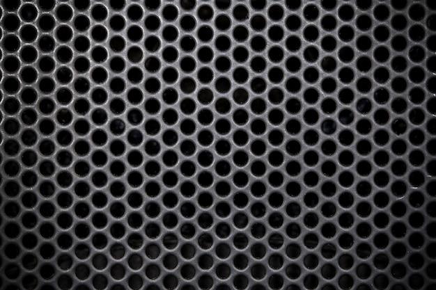 Сетка из темного металла