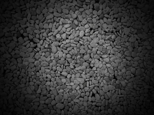 Пол из темных натуральных камней