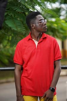 Темнокожий мужчина, модель