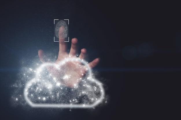 手の暗い背景のデータクラウド指紋コンピューティングアイコンを手でクリックするクラウドを保護する